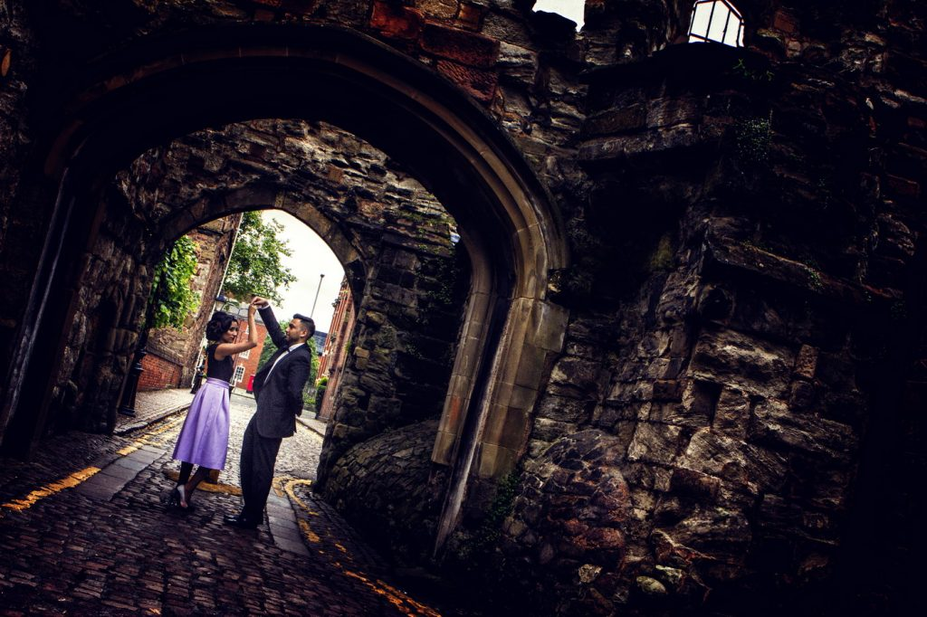 Couple Engagement Photo Session at botanic-garden Arch